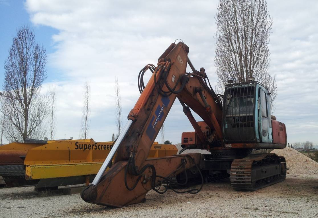 SECOND-HAND PRODUCTS FIAT HITACHI FH EX-215 (id:93) - Cesaro